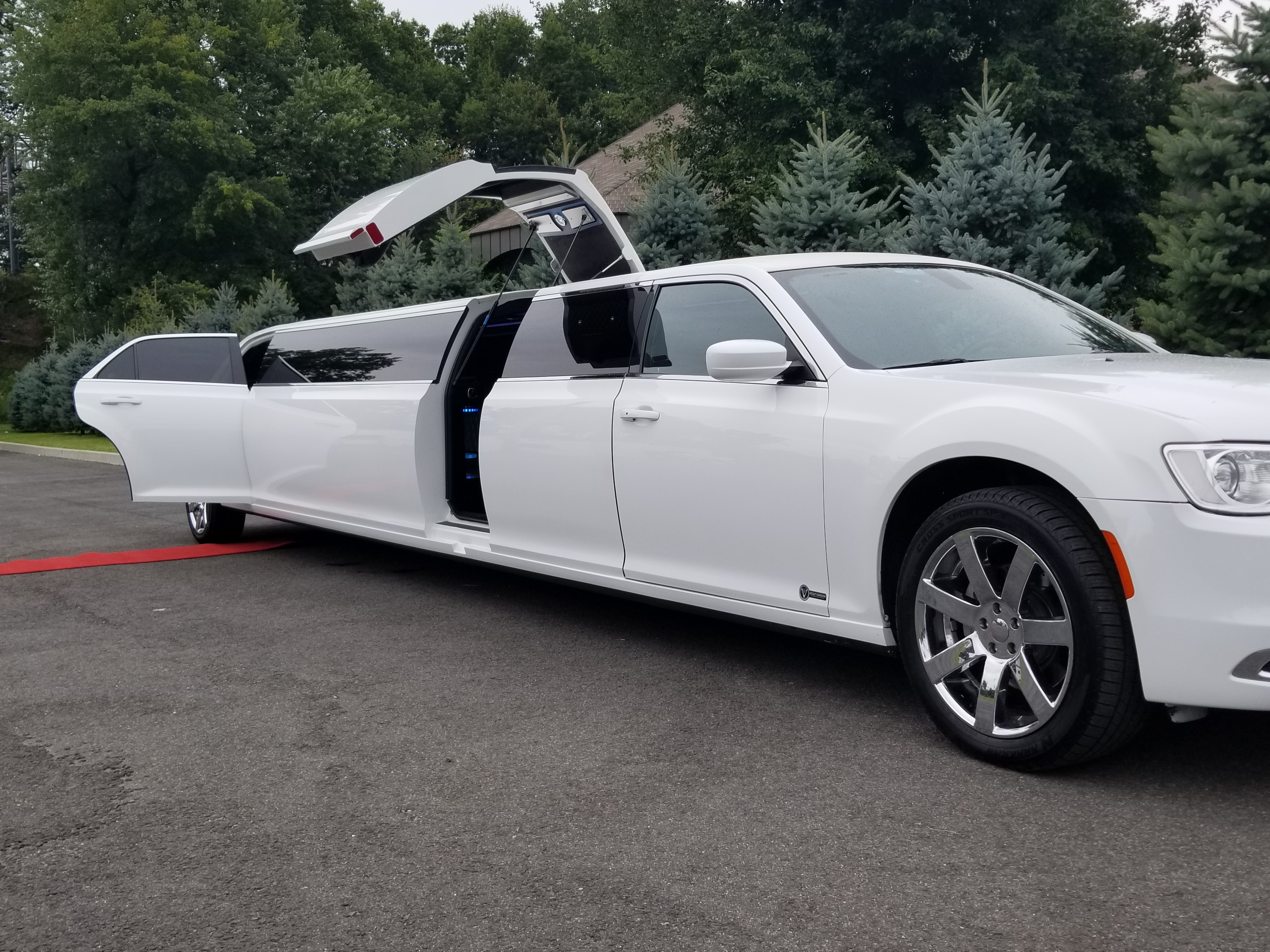Wedding Limos , Party Buses & Airport Services